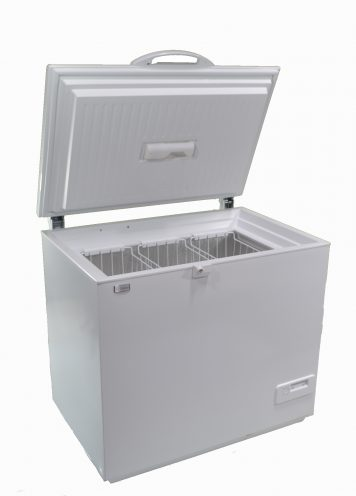 Solar powered AC DC chest style freezer white