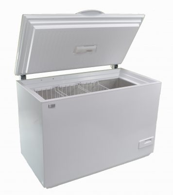 Solar powered AC DC 225 liter chest style freezer white