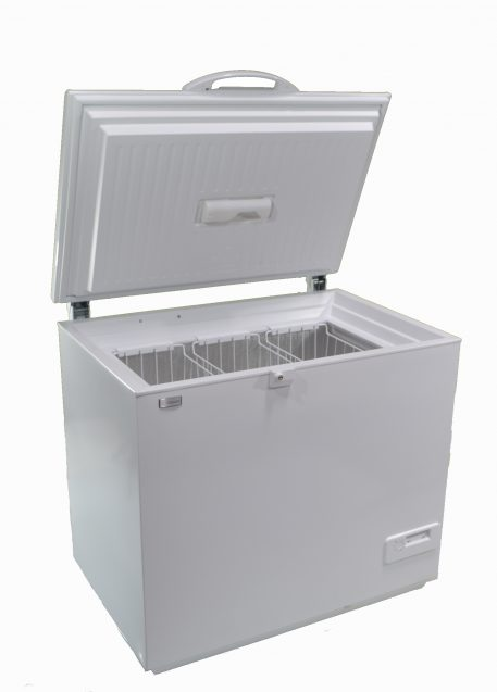 Solar powered DC chest style refrigerator white
