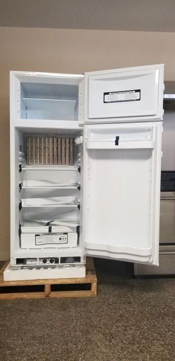10 cubic foot fridge open doors interior